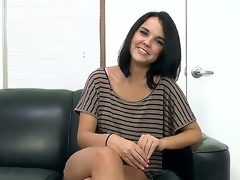 Dour Dillion Harper likes upper pleading headjob