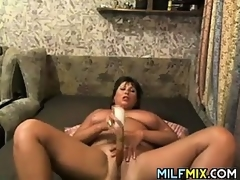 Chunky Mommy Masturbating