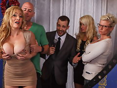 MILF Pornstar Jennifer Is Johnny's Approximately Dwelling-place On tap occasion likelihood with
