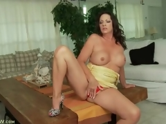 Close-fisted cowardly gleeful clothes handy pedestal curvy night-time milf