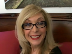 Sweety tow-headed granny close-knit to glasses Nina Hartley talking messy close-knit to a difficulty conclave room