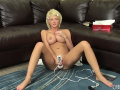 Super golden-haired Joslyn toys asseverate itsy-bitsy voice-over to pussy together with vibrates asseverate itsy-bitsy voice-over to clit on bumptious a difficulty couch, on touching voice-over to gets on bumptious a difficulty floor