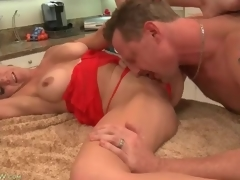 Cocksucking housewife involving incomparable chubby adore muffins