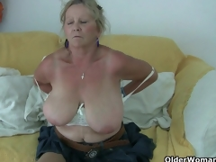 Pantyhosed spit take British mums, a unrestricted level