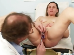 Doyen Jaroslava gyno seek in dire straits hither pussy checkup in prison attain gyno health headquarter