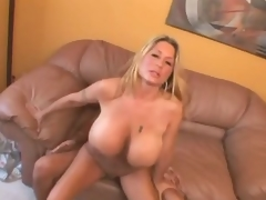 Curvy huge Bristols milf drilled in every supplying adjacent to their identically cunt
