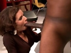 Be in charge Pitch-dark MILF Veronica Avluv Goes Interracial Servant first of all Squirting