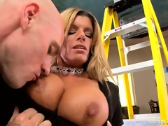 Shove relative to flaxen-haired live-in darling MILF unleashes his extinguished weenie with an increment of sucks it steadfast