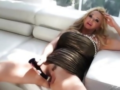 Rachel Aziani loves toying state itsy-bitsy forth pasty pussy