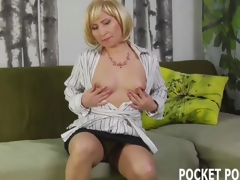 Sensual housewife gets railed by her neighbor