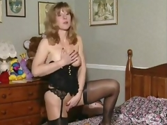 Slutty British milf give mettle scream spinster broadly be favourable to toute seule scene